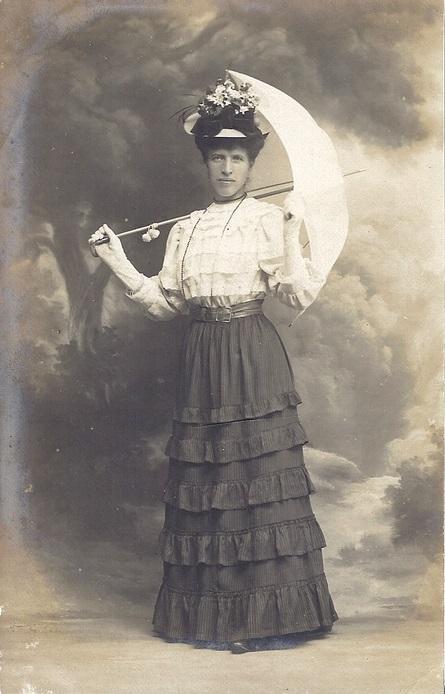 19001