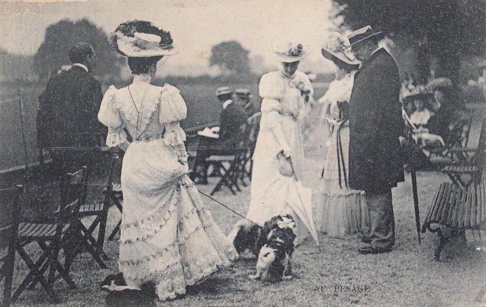19004